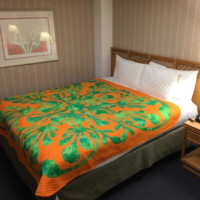 ハワイアンキルトのベッドカバー