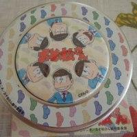 おそ松さん お菓子缶 ミルクピローキャンディー
