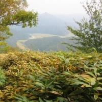 13 盛太ヶ岳(891m:島根県吉賀町)登山  高峰を振り返って