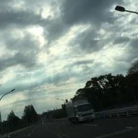 雲間から光りの柱