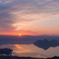 春の洞爺湖 朝焼け日の出