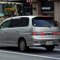 Toyota Gaia 1998- ランプのカタチがユニークなトヨタ ガイア