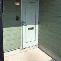 外壁も、内装も壊さずにマンションのドア取り替え