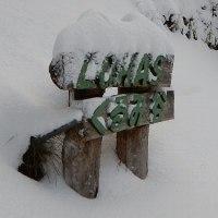 雪が積もりました。イノシシの燻製作りました。
