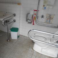 男女別型(誰でも用付設)トイレ-1の4