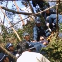 沖縄高江でヘリパッドに抗議する市民に、県警がロープを巻いて引き上げた行為は無令状逮捕行為だ