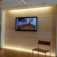 (仮称)シンプル和モダンとカレイドスコープ効果の光井戸がある家新築計画・・・LDKを中心に床の特徴を選択中、フローリング建材ショールームへ住い手さんご家族をご案内してと打ち合わせ中・・・・・。
