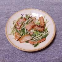 つまみ 水菜とベーコンの塩炒め