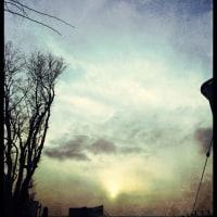弥生の空は。