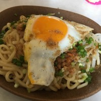 お昼は、台湾まぜそば