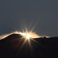 白山岳で割れるダイヤモンド富士 竜ヶ岳  平成28年12月3日
