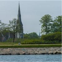 水辺の教会