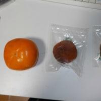 朝練さぼって柿剥き