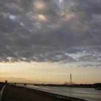 朝の江戸川 by optio M10