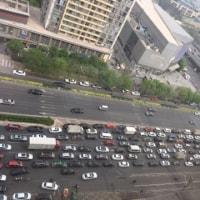 渋滞ハンパない…