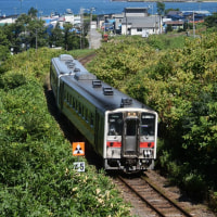 増毛   夏の電車と海