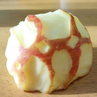 りんごでアート