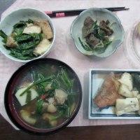 いよいよ今日から 夕食作りが始まりました。