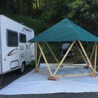 フォレストグリーン色テント東屋を高松市に送付