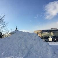 白い雪・青い空・-6℃・週明けの北斗市