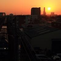 地元浜松に沈む夕陽と貨物列車 (2012年10月)