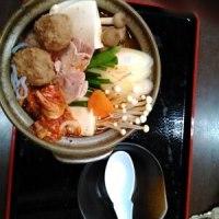 麻辣鍋(まーらーなべ)です。辛くして食べます