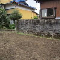 古いブロック塀には注意が必要です。