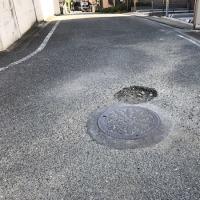 人通りの多い場所の道路補修の依頼。その日のうちに即対応に感謝