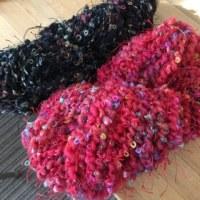 色違いの毛糸を使って。