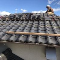 岡山市北区御津町で棟瓦のまき直し工事スタート