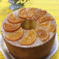 京都特選宇治抹茶をたっぷり使ったシフォンケーキと国産ブラッドオレンジを使ったシフォンケーキです。