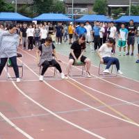 家族も関係者も! オリジナル競技満載の運動会、300人が参加