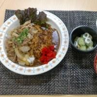 牛肉の焼き肉のタレ炒めとカレーのコンボライス