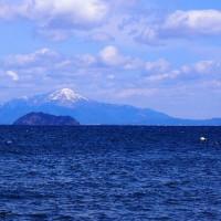 竹生島と伊吹山