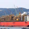 Royal Dutch ShellのPrelude  (FLNG)設備が豪州に向かう