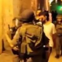 極悪イスラエル兵が、パレスチナ立法者、および他の議員の息子を拉致