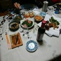 ♪ 夜のお客さまに、 さくら農園の時期遅れの大根菜もどうぞ。