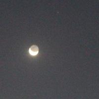 下弦のの月でも月は丸い