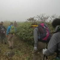 雨の前の山登り