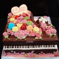 大きなピアノケーキ
