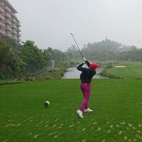 雨でも楽しいゴルフ!!晴れるともっと楽しいけど。。