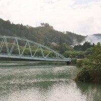 【写真】わっ!橋が崩れる~!