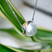 プラチナの真珠のネックレスはリバーシブルで。。