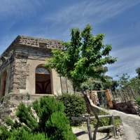 イスキアポンテの半島を巡る道…イスキア島