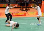 祝!祝!バドミントン女子ダブルス、松友選手、高橋選手逆転金メダル。
