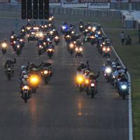 鈴鹿8耐前夜祭「バイクであいたいパレード」