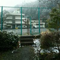 寒さが戻り・・・檜原村は雪に