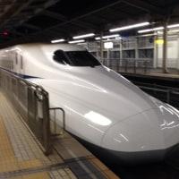 夜の新幹線に乗って…