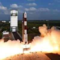 インドが104個の超小型衛星を宇宙に送り込む動画(YouTube)