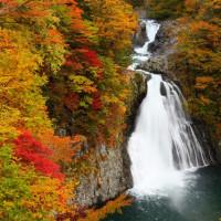 鳥海高原・法体の滝紅葉まつり
